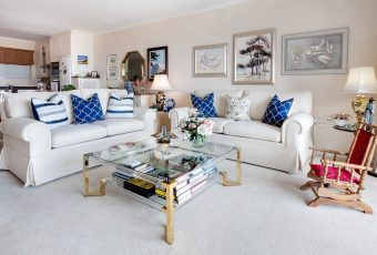 Kanapa rozkładana czy sofa na nóżkach do salonu?
